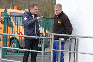 Verkaufsleiter Hubert Rackl vor Ort