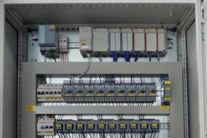 NEWSLETTER - Schaltanlage mit Allen-Bradley SPS - SPANGLER Automation